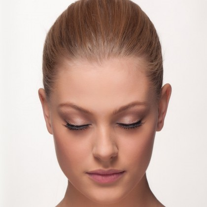 Strip Lashes: Love-A-Flare front view eyes closed